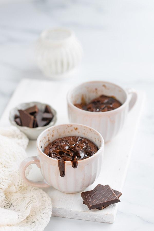 5 minute chocolate mug cake in a microwave
