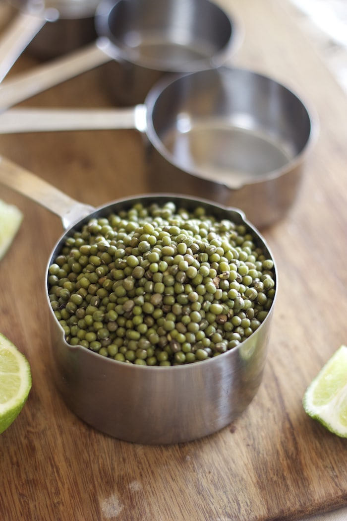 ho sto make indian curry, green lentil curry