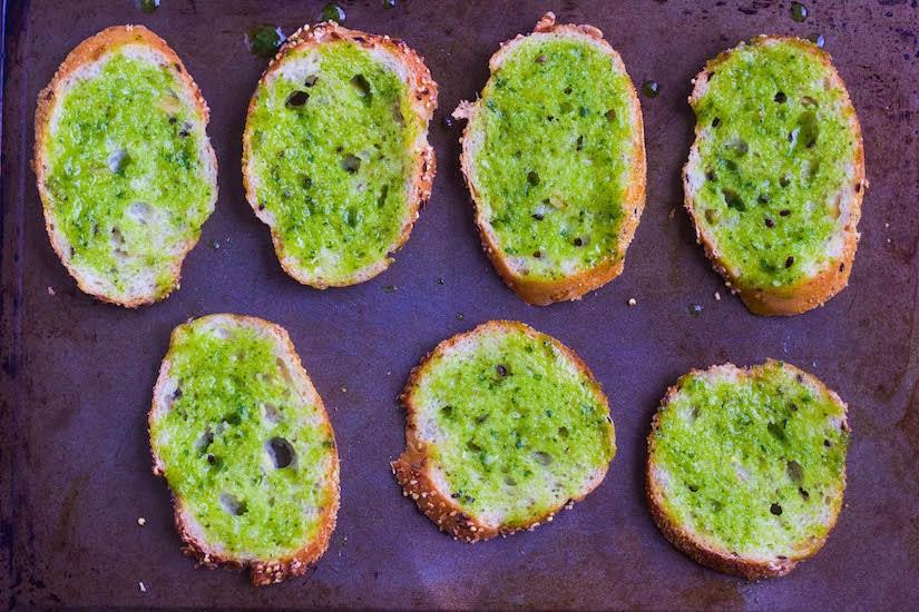 bruschetta with garlic crisp step1