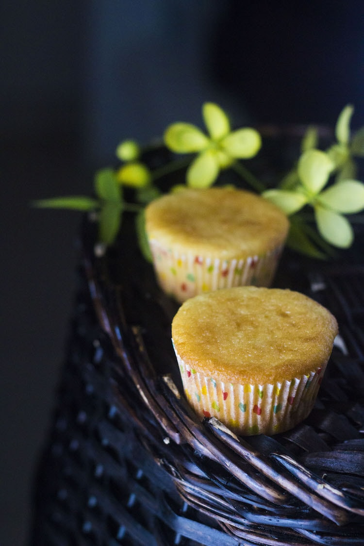 pineapple cupcakes, pineapple cupcake recipe, real fruit cupcakes, moist cupcakes, moist cupcake recipes